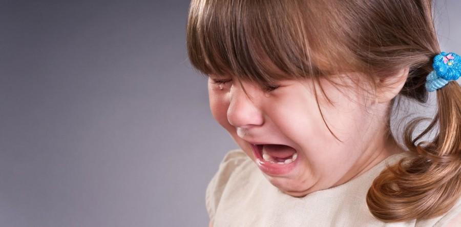 Ребенок плачет под влиянием родного языка