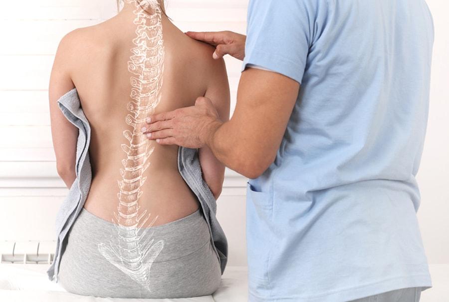 Рюкзак не вызывает сколиоза, но остерегайтесь болей в спине